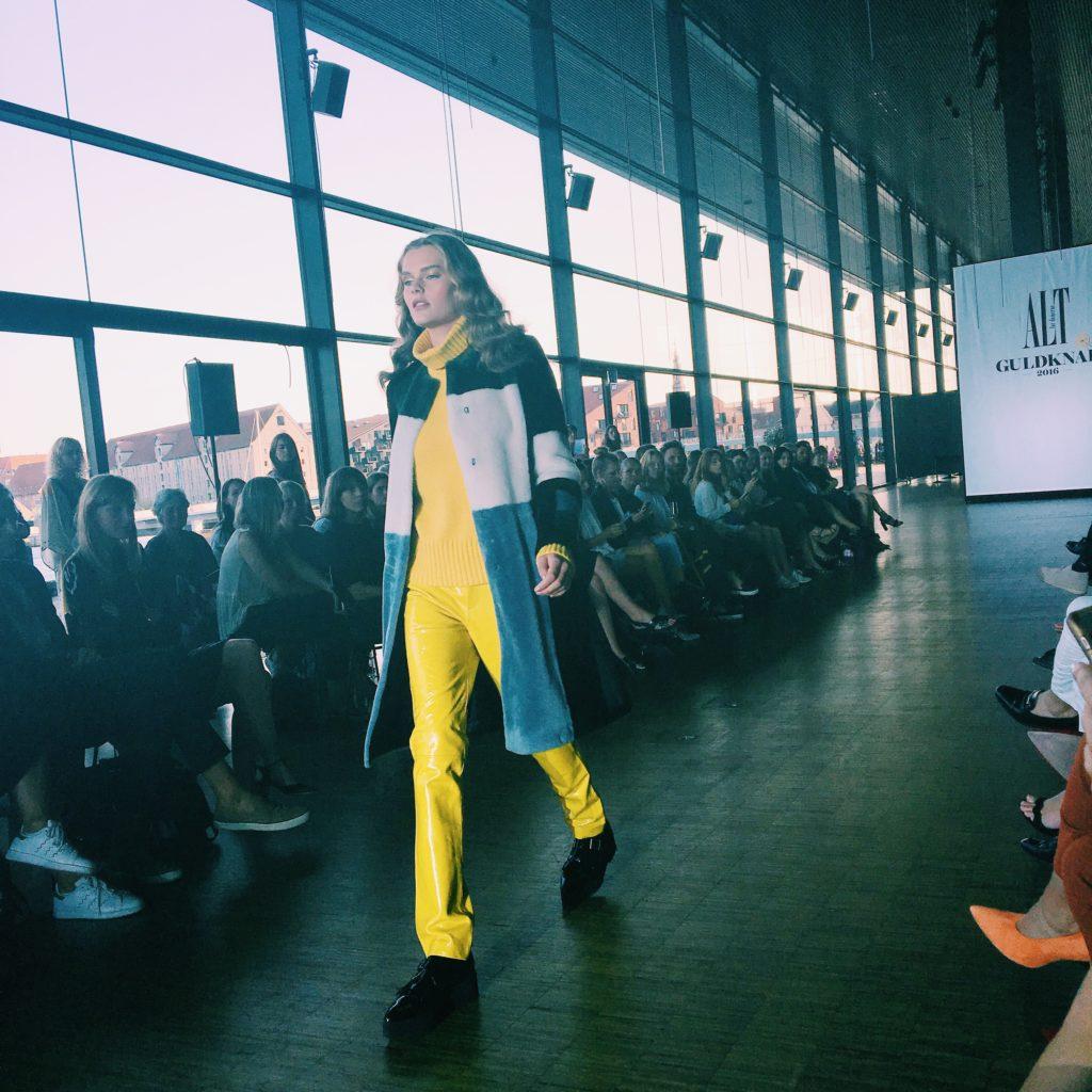 nellenoell dybt vand skuespillerhuset fashionblogger årets guldknap